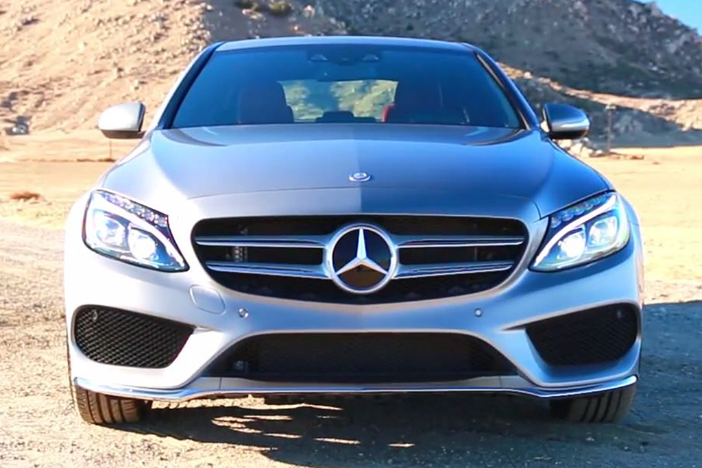 threat of new entrants mercedes benz The buyers are not buying in bulk like in the retail industry where bargaining power is high, they simply can afford one or not the threat of potential new entrants: the markets that mercedes-benz operates in are characterized by economies of scale, where as the level of sales increase unit.