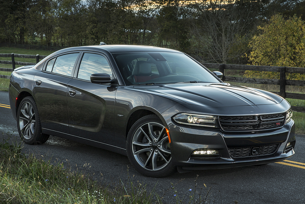 differences between dodge charger and chrysler. Black Bedroom Furniture Sets. Home Design Ideas