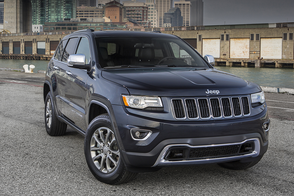 2015 jeep grand cherokee vs 2015 dodge durango what 39 s the difference autotrader. Black Bedroom Furniture Sets. Home Design Ideas